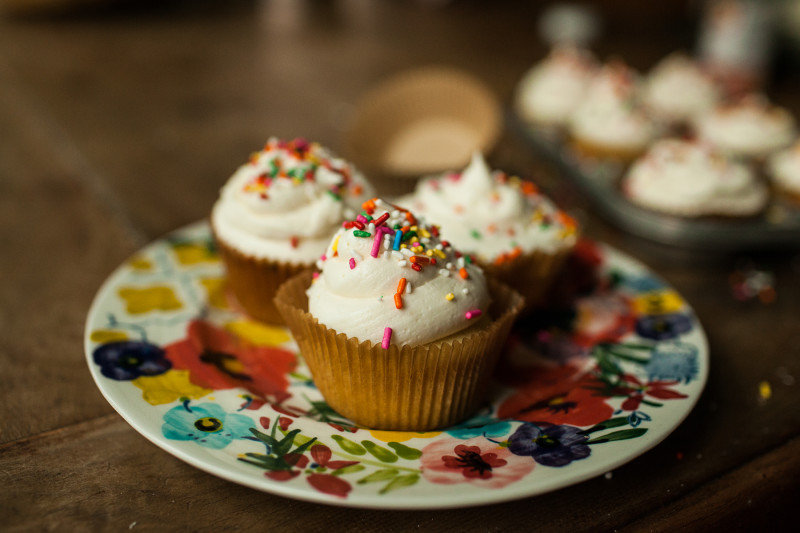 Garlands of Grace Cupcake-3